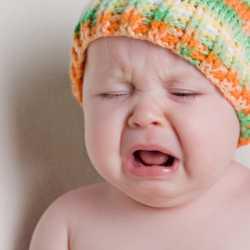 Причины плача маленького ребенка