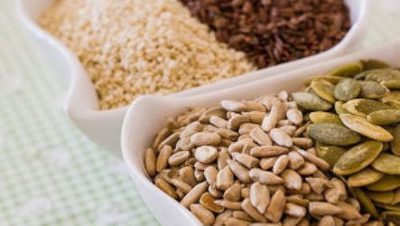 Можно ли семечки подсолнуха или тыквы при грудном вскармливании кормящей матери