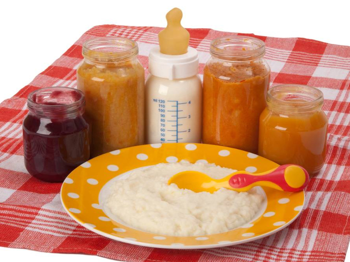 Овощи, молоко и каша для необходимы для прикорма в 7 месяцев