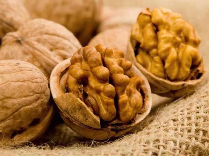 Можно ли грецкие орехи кормящей маме