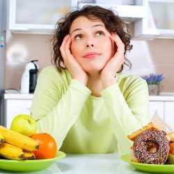 Хлебные изделия и фрукты в рационе кормящей матери