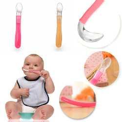 Как выглядит силиконовая ложка для кормления маленького ребенка