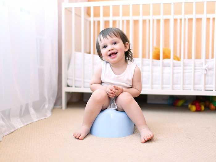 Приучение ребенка к горшку начинается с 3 лет