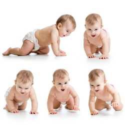 Ребенок может начать ползать по-разному
