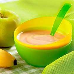 Фруктовое пюре из яблока и банана для разнообразия
