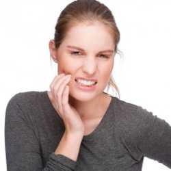 Зубная боль у кормящей мамы - повод для обращения к врачу
