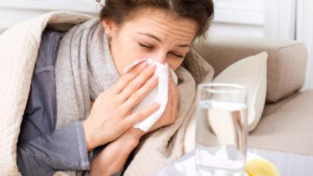 Лечение насморка у кормящей матери без вреда для ребенка