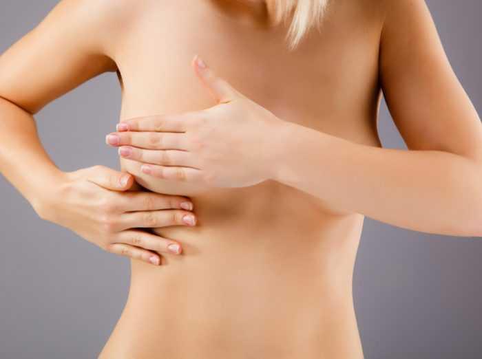 Легкая ассиметрия в груди у женщины