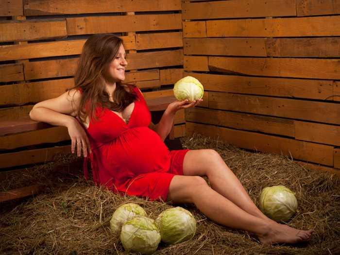 Откуда берутся дети на примере беременной и капусты