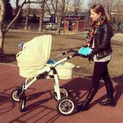 Прогулка с ребенком на свежем воздухе