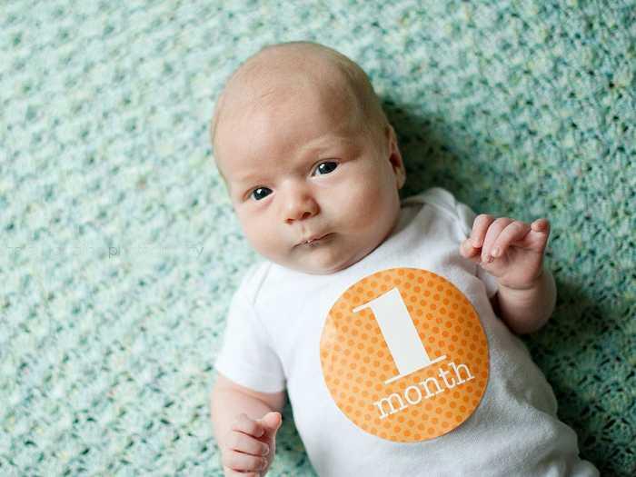 Как складывается распорядок дня ребенка в 1 месяц