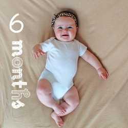 Малыш в 6 месяцев готовится ко сну
