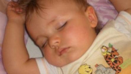 Много ли сна требуется ребенку в 11 месяцев