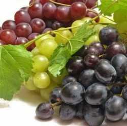 Виноград трех разных сортов