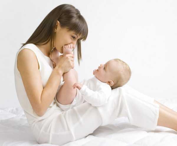 Новорожденный быстро начинает узнавать маму