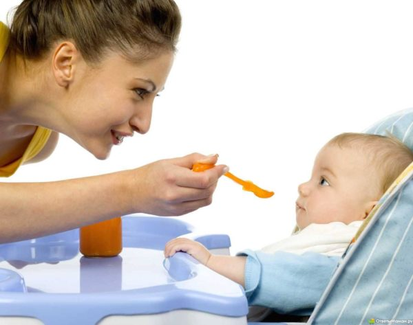 Мед полезен, но может быть опасен для ребенка