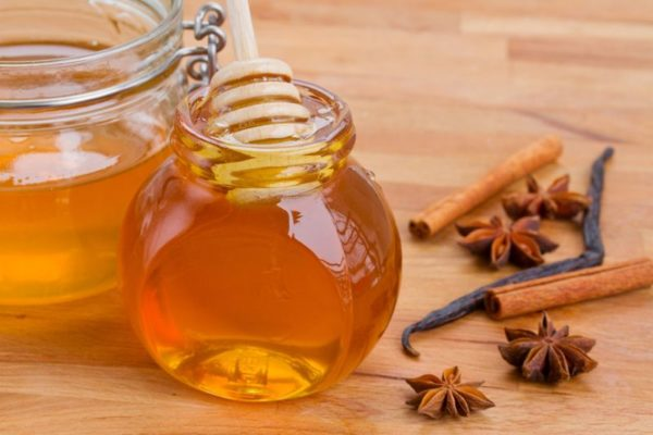 Мед влияет на состав грудного молока и организм ребенка