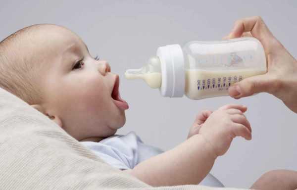Не кормите ребенка, проглотившего монету