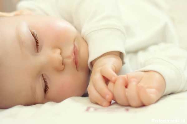 Месячный ребенок бодруствует не более 2 часов подряд