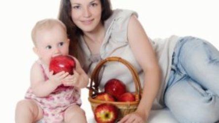 Можно ли есть красные и зеленые яблоки при грудном вскармливании