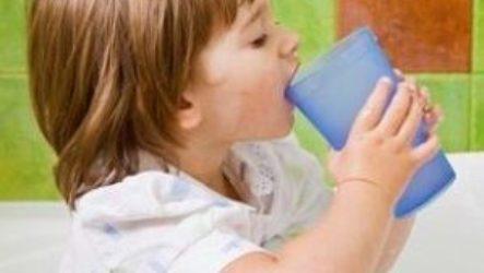 Как мягко и спокойно научить ребенка полоскать горло