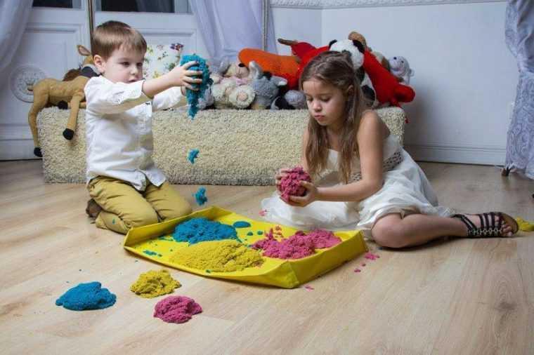 Детям такой песок очень нравится